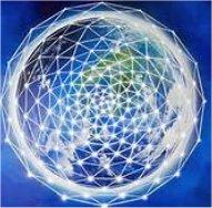 Es gibt drei Haupt Gitter, die sich durch und um die Erde ziehen; diese schauen wir uns als erstes an, da sie mit den Kristallen der Erde verbunden sind.