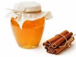 IMMUNE SYSTEM: Daily use of honey and cinnamon powder strengthens the immune system and protects the body from bacterial and viral attacks. Scientists have found that honey has various vitamins and iron in large amounts. Constant use of Honey strengthens the white blood corpuscles (where DNA is contained) to fight bacterial and viral diseases.<br />